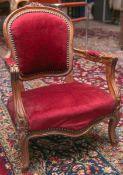 Kindersessel (Louis Philippe, 2. Barock), Nußbaum, geschweifte u. gepolsterte Sitz- u. Rückenfläche,
