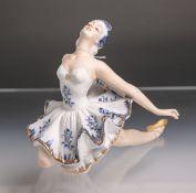 """Figurine """"Die Balletttänzerin"""" (Royal Meridian, schwarze Unterbodenmarke), polychrom bemalt u."""