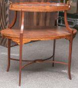 Ausgefallener Beistelltisch, Mahagoni Holz, teils massiv, teils furniert, Etagere 2-stufig, ovale