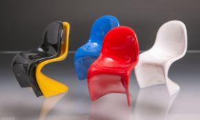 """5 Miniaturstühle Vitra Panton Chair, in Weiß, Rot, Blau, Schwarz u. Gelb, Us. bez. """"Vitra Design -"""