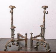 Paar Kaminböcke (wohl Ende 19. Jh.), Messing, Gestell aus Eisen, ca. 51 x 36 x 47 cm. Guter