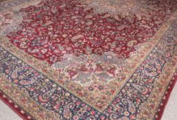 Großer Teppich (Kirman, Iran, wohl 1970er Jahre), Wolle auf Wolle, Boteh-Muster, ca. 642 x 361 cm.