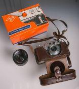 """Kamera """"Leica II"""" von 1938 (Ernst Leitz GmbH, Wetzlar), DBP, Gehäusenr. 287472, m. Schutztasche,"""