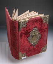 Antikes Fotoalbum (im Stil des Historismus, 19. Jh.)