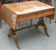 Schreibtisch (Biedermeierzeit, 19. Jh.)