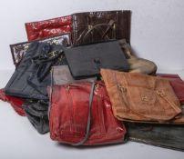 Gr. Konvolut alter Handtaschen/Mappen (wohl um 1920 - 1950)