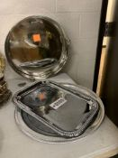 Trays (2), Cake Stand (1) (Detached Foot)