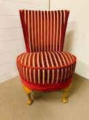 An red and striped upholstered bedroom chair on cabriole legs (H77cm)