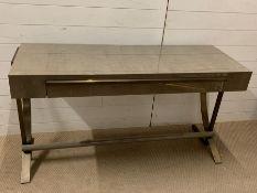 A bespoke dressing table designed and built by Bill Cleyndert & Company (H77cm W143cm D50cm)