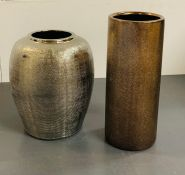 Two decorative vases (H28cm and H22cm)