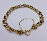 A 9ct gold bracelet (Total weight 6.3g)
