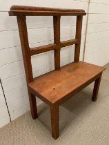 An oak settle or bench seat (H103cm W80cm D38cm)