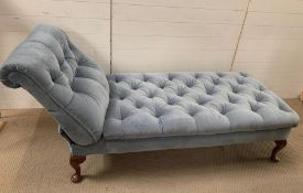 An Edwardian drop end day bed on short mahogany cabriole legs (W185cm)