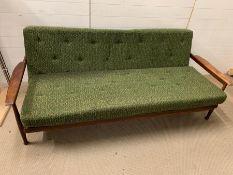 A Guy Rogers Manhattan sofa bed. (H80cm W202cm D87cm SH43cm)