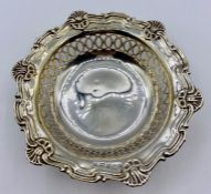 A small pierced silver bowl, Birmingham 1906, by Marks & Cohen (Total Weight 53g)