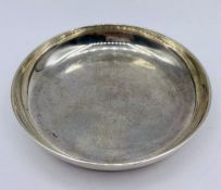 A silver pin dish by Nayler Brothers, hallmarked for London 1992, (75g)