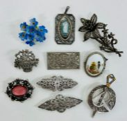 A selection of quality costume jewellery brooches..