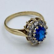 A 9ct gold dress ring size J