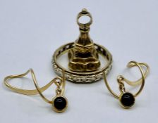 A selection of 9ct gold items to include: fob, earrings and ring. (Total Weight 5.8g)
