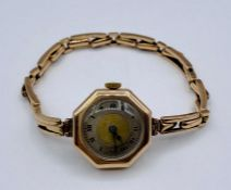A 9ct gold ladies watch
