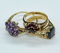 A Selection of Three 9ct gold rings in various styles and designs (Total Weight 7g)