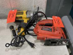 Lot - (1) DeWalt 1/2 in. (13 mm) Model DW130V VSR Drill; 120-V 550/min (RPM); with (1) Black &