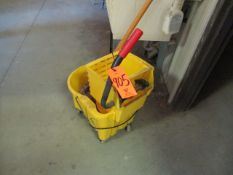 Rubbermaid Mop Bucket with Ringer and Mop