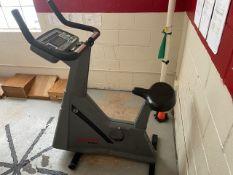 Life Cycle 9500HR Recumbent Exercise Bike (Gym)