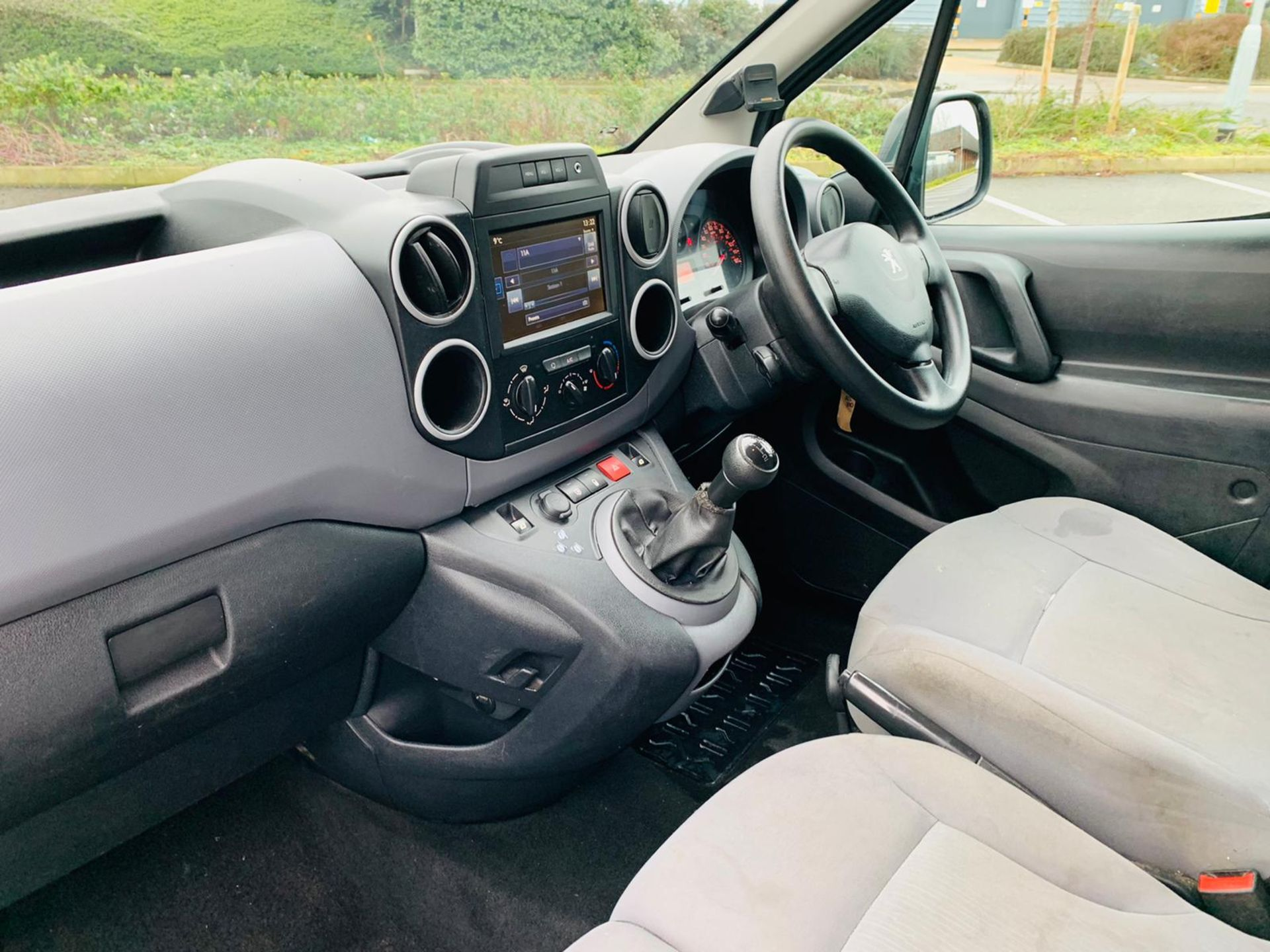 (RESERVE MET) Peugeot Partner 1.6 HDI Professional - 2017 Model - Air Con - Service History - Image 14 of 22