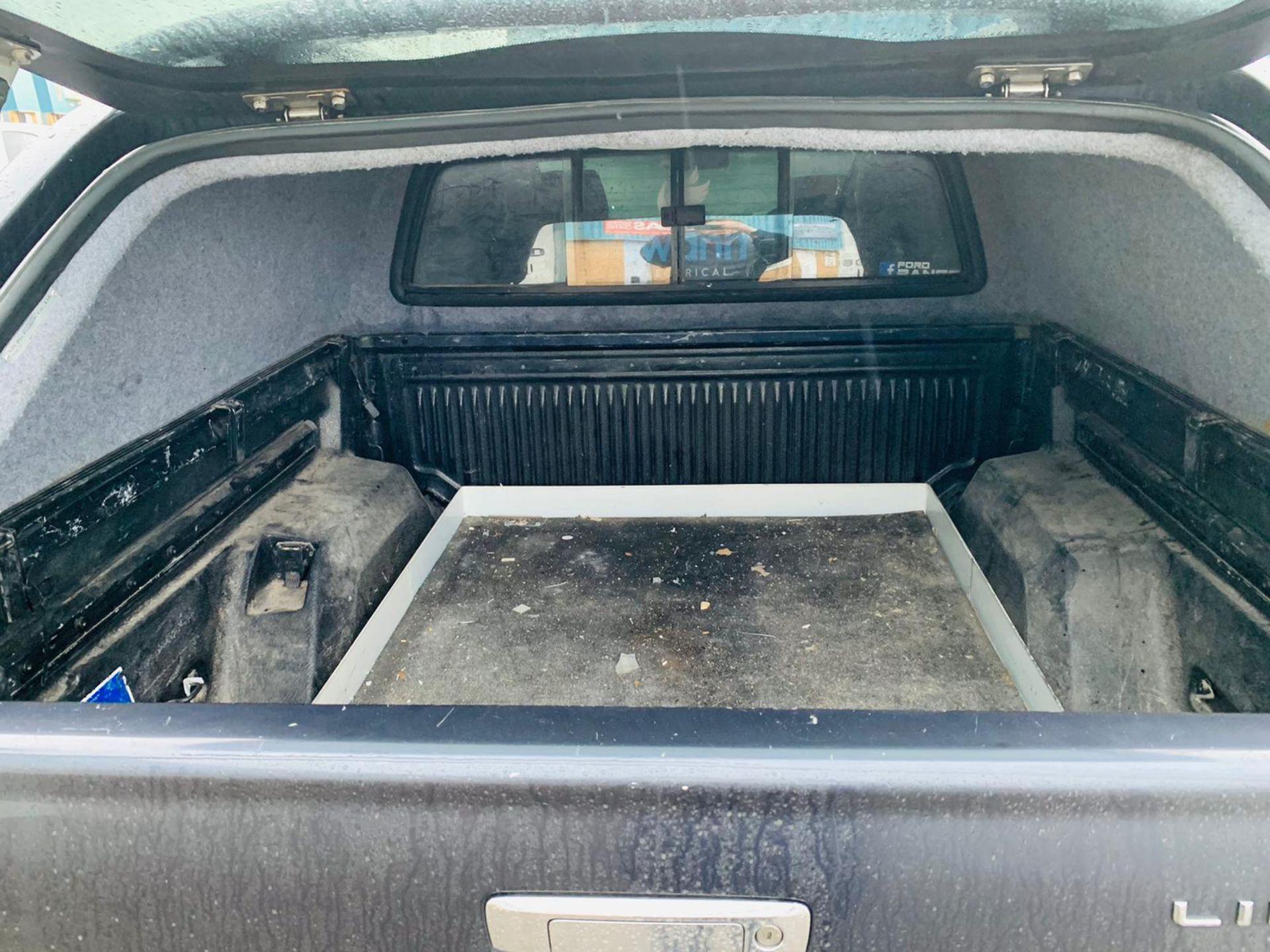 (RESERVE MET) Ford Ranger 2.2 TDCI LTD 4x4 Double Cab 2017 17 Reg - Reversing Cam -Leather - Sat Nav - Image 12 of 32