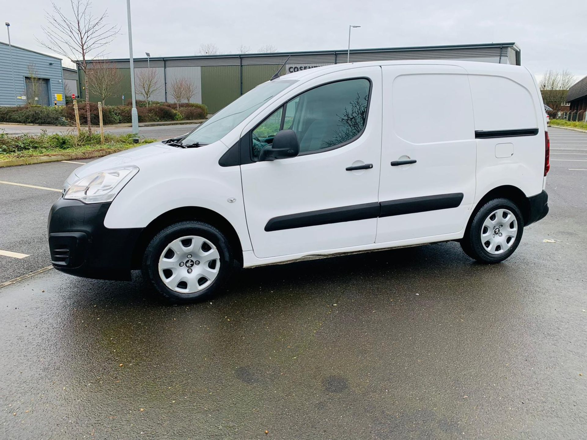 (RESERVE MET) Peugeot Partner 1.6 HDI Professional - 2017 Model - Air Con - Service History - Image 3 of 22