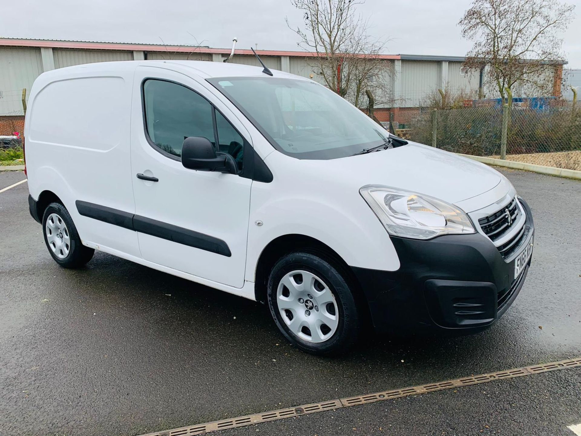 (RESERVE MET) Peugeot Partner 1.6 HDI Professional - 2017 Model - Air Con - Service History - Image 2 of 22