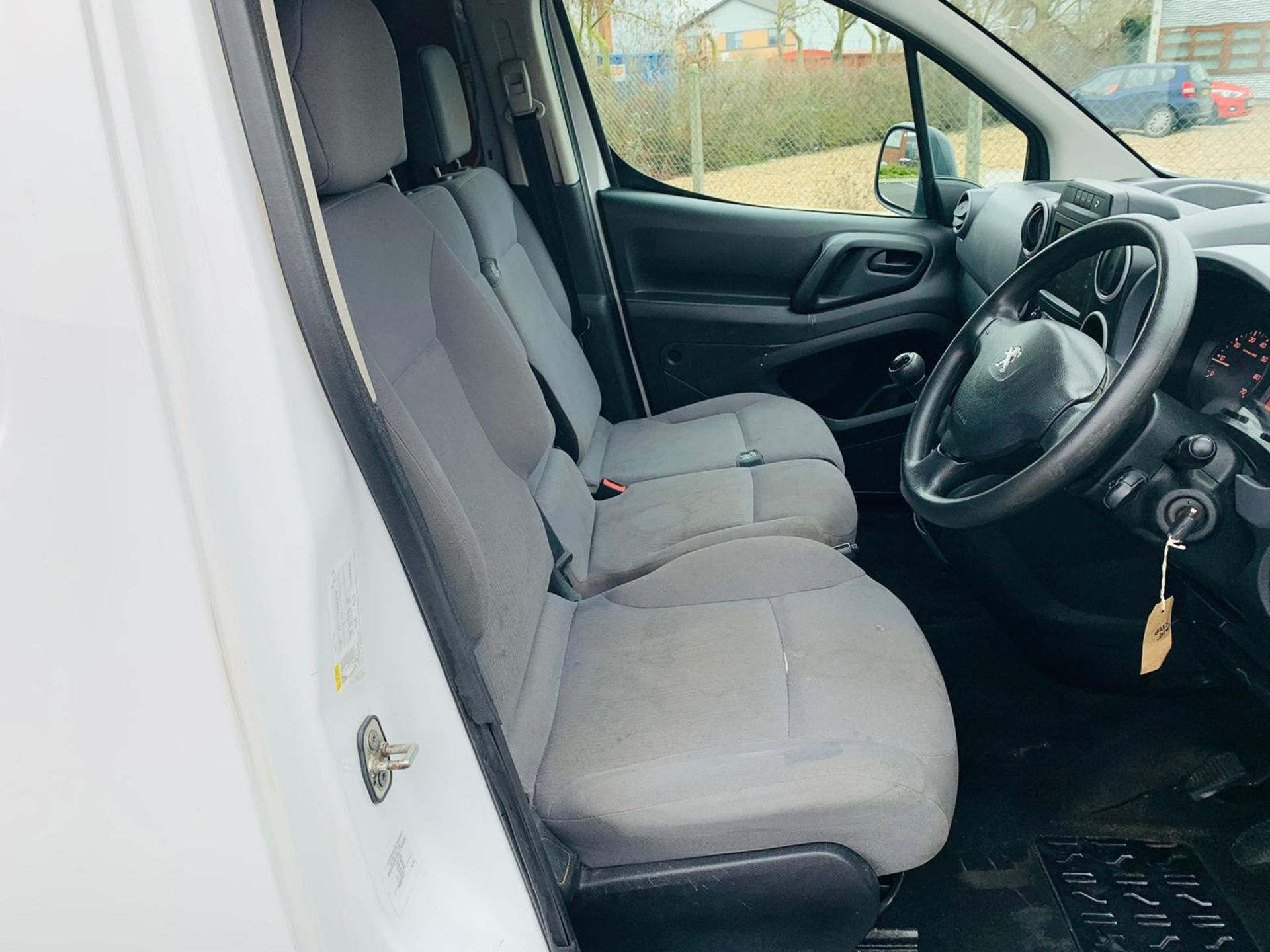 (RESERVE MET) Peugeot Partner 1.6 HDI Professional - 2017 Model - Air Con - Service History - Image 15 of 22