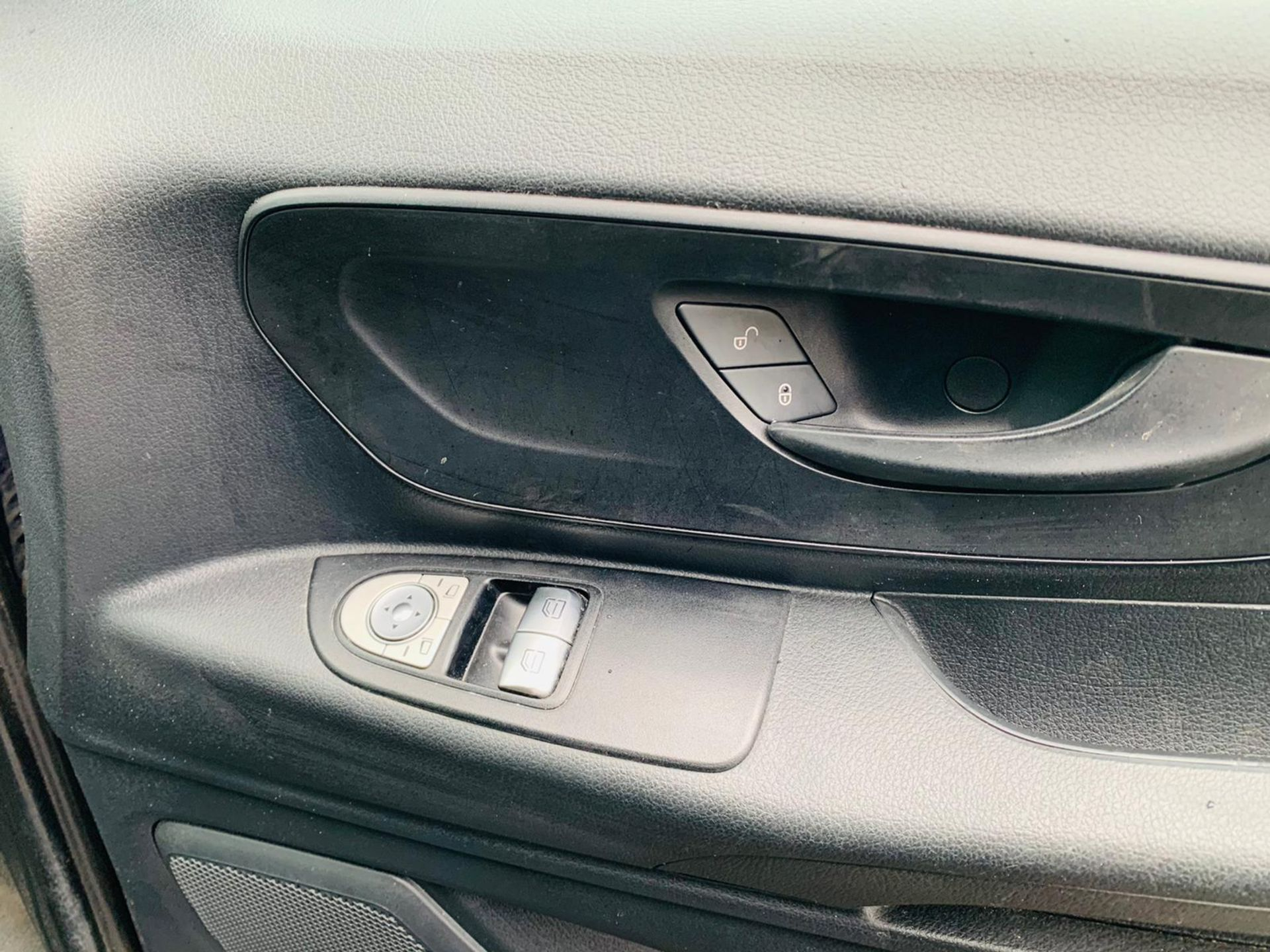 (RESERVE MET) Mercedes Vito 116Cdi Sporty Spec (161 BHP) Bluetech 6 Speed Van - 2016 Model - AC - Image 27 of 28