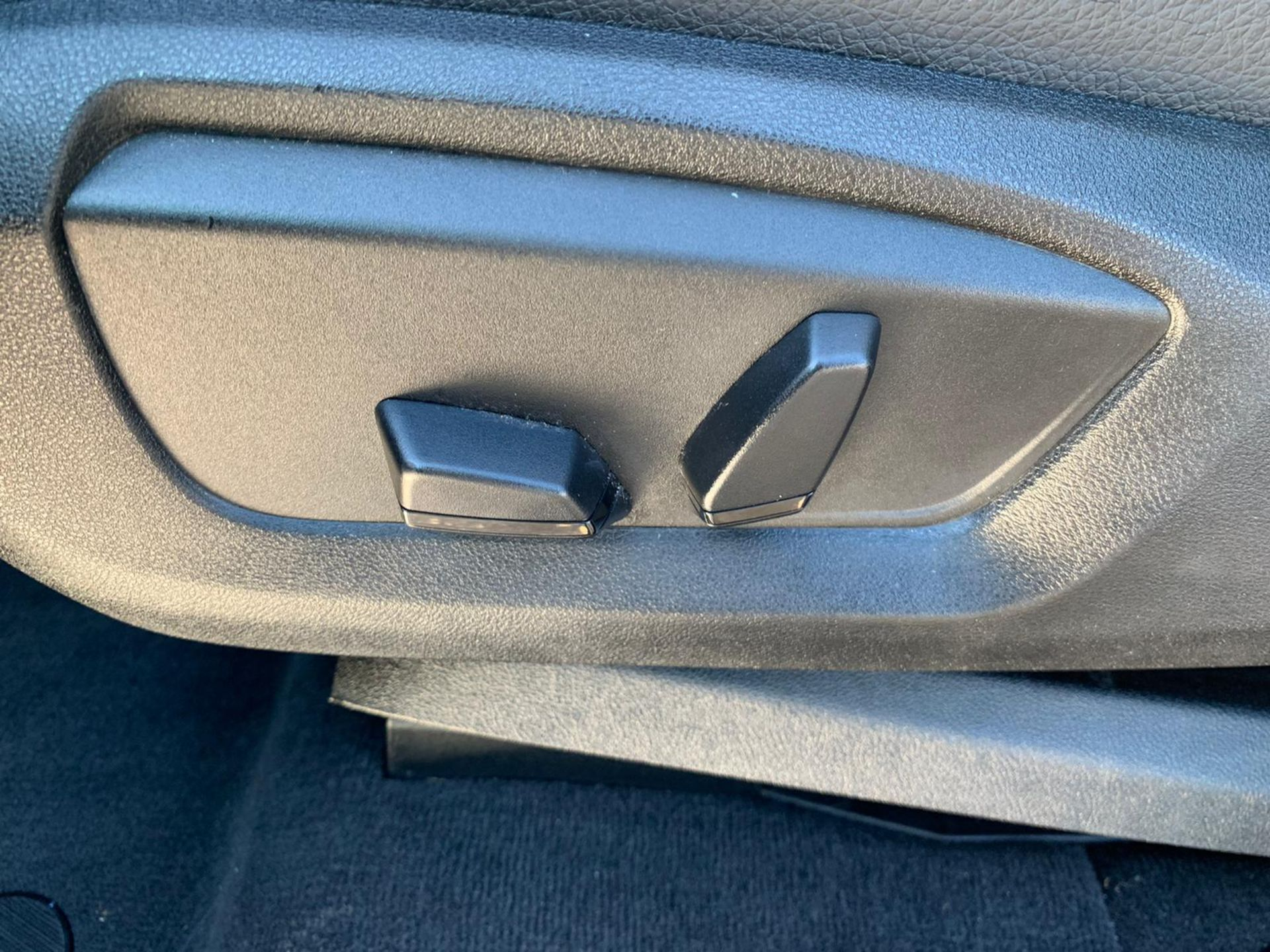 "(Reserve Met) BMW X5 2.0d S-DRIVE ""Special Equipment"" Auto- 7 Seater -16 Reg - Sat Nav- (New Shape) - Image 41 of 43"