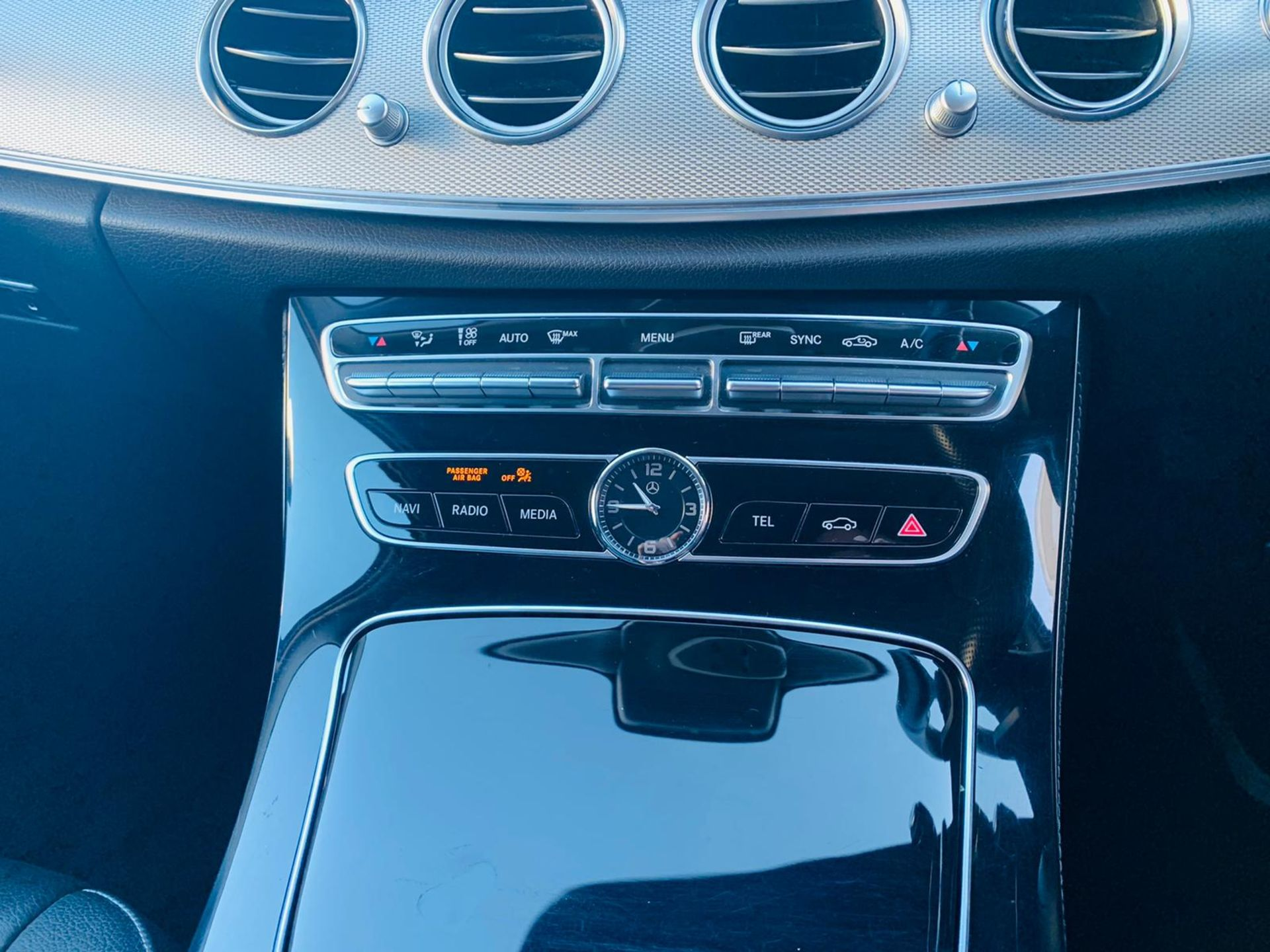 (RESERVE MET) Mercedes E220d Special Equipment Auto 2017 17 Reg - Sat Nav - Reversing Cam - Image 21 of 27