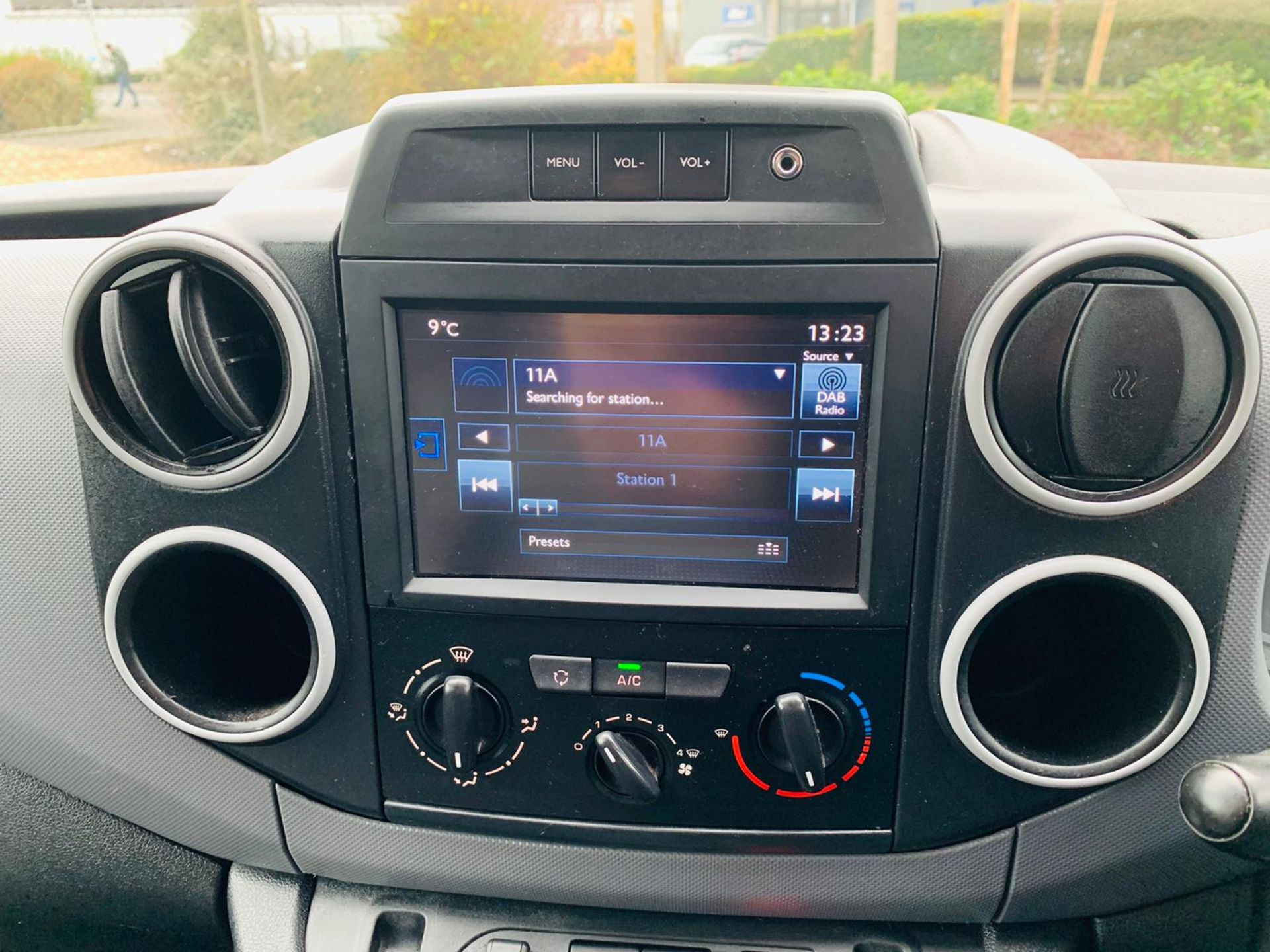 (RESERVE MET) Peugeot Partner 1.6 HDI Professional - 2017 Model - Air Con - Service History - Image 18 of 22