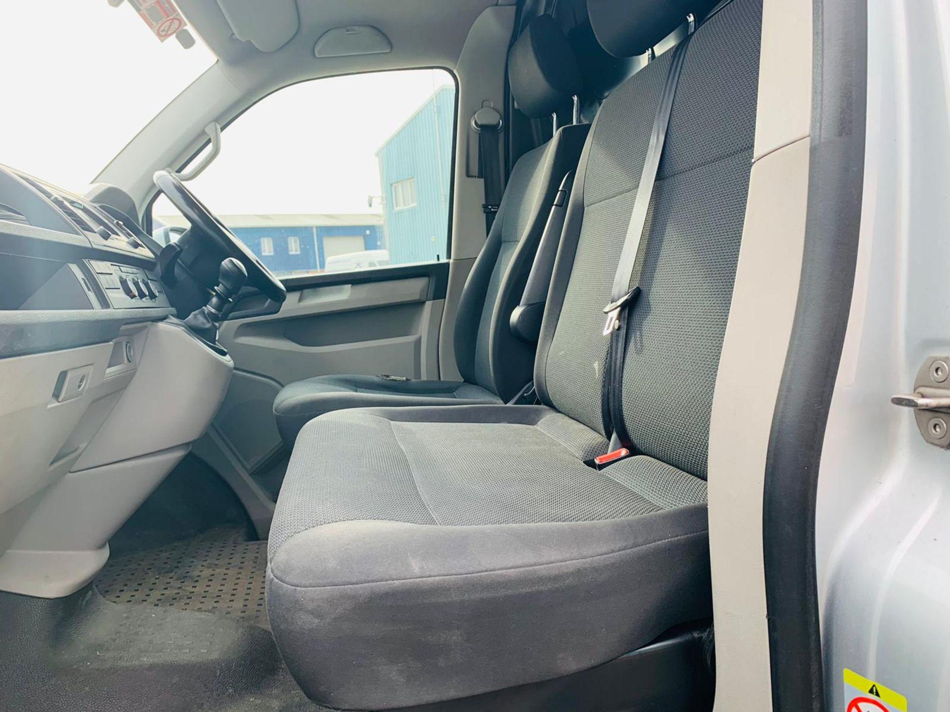 (RESERVE MET) Volkswagen (VW) Transporter 2.0 TDI 150 Highline T28 2018 18 Reg - Parking Sensors - - Image 10 of 23