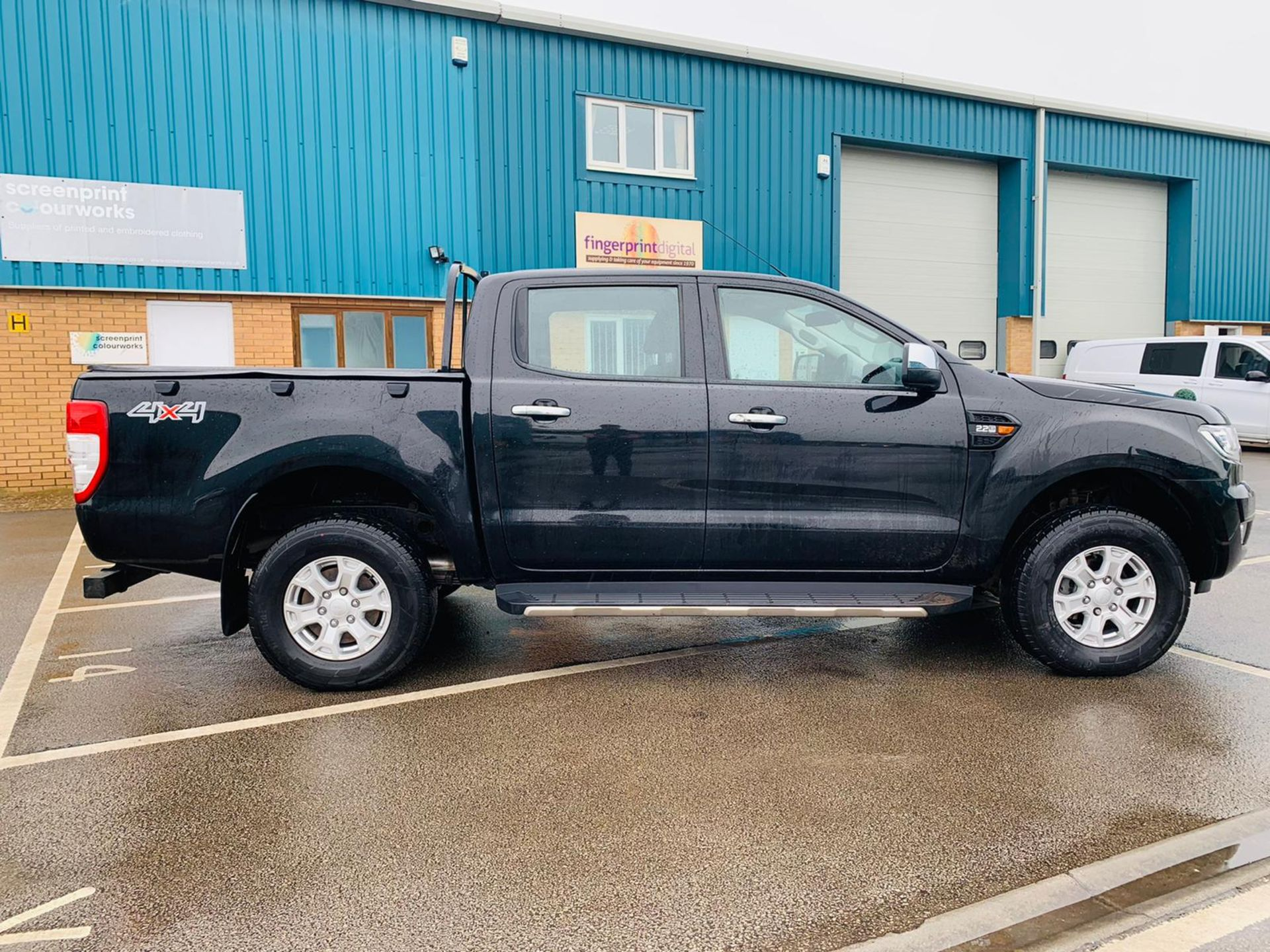 Ford Ranger 2.2 TDCI XLT 4x4 Double Cab - 2017 Model - Euro 6 - ULEZ Compliant - Service History - Image 2 of 24