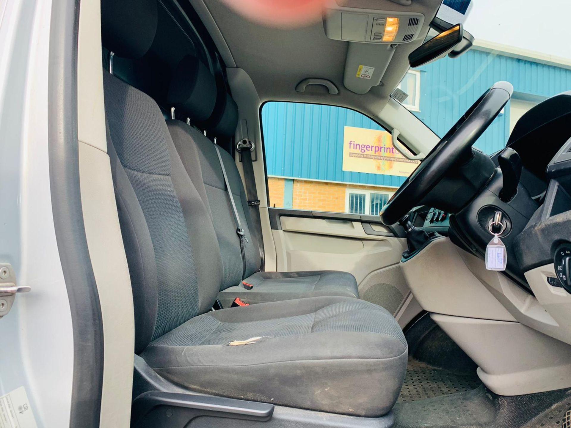 (RESERVE MET) Volkswagen (VW) Transporter 2.0 TDI 150 Highline T28 2018 18 Reg - Parking Sensors - - Image 12 of 23