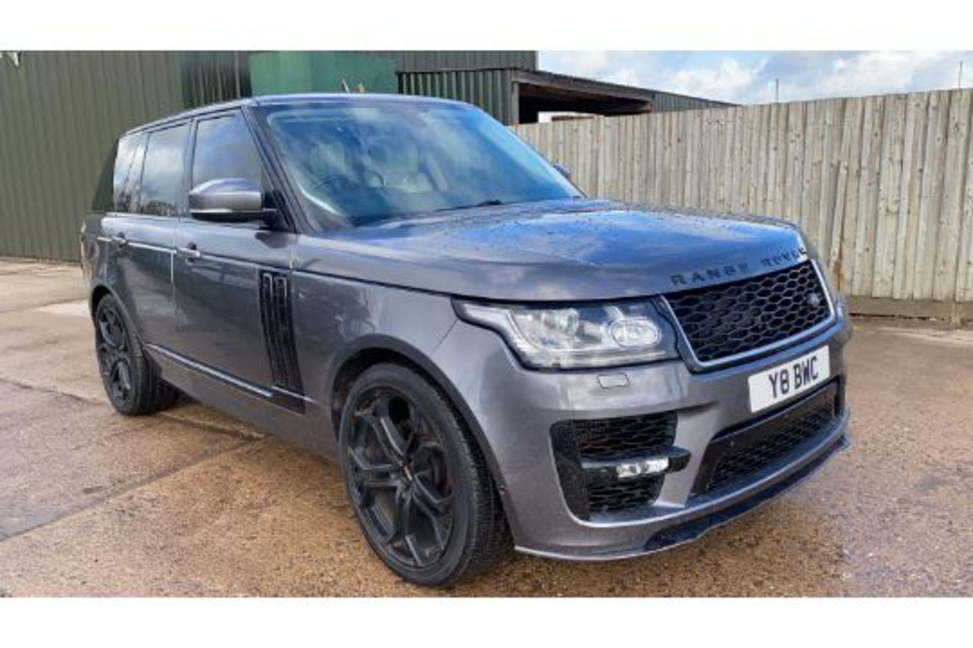 Range Rover Vogue 3.0 TDV6 SE Auto - Black Pack - NEW SHAPE - FULLY LOADED - Pan Roof - Image 2 of 30