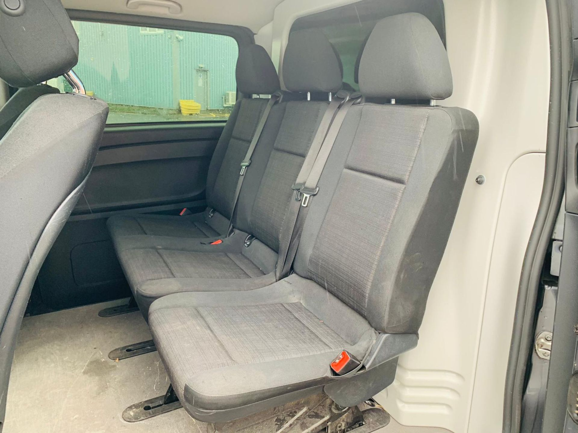 Mercedes Vito 114 Bluetec Dualiner/Crew Van - Auto - Air Con - 2018 Model- 1 Owner From New - Image 13 of 30
