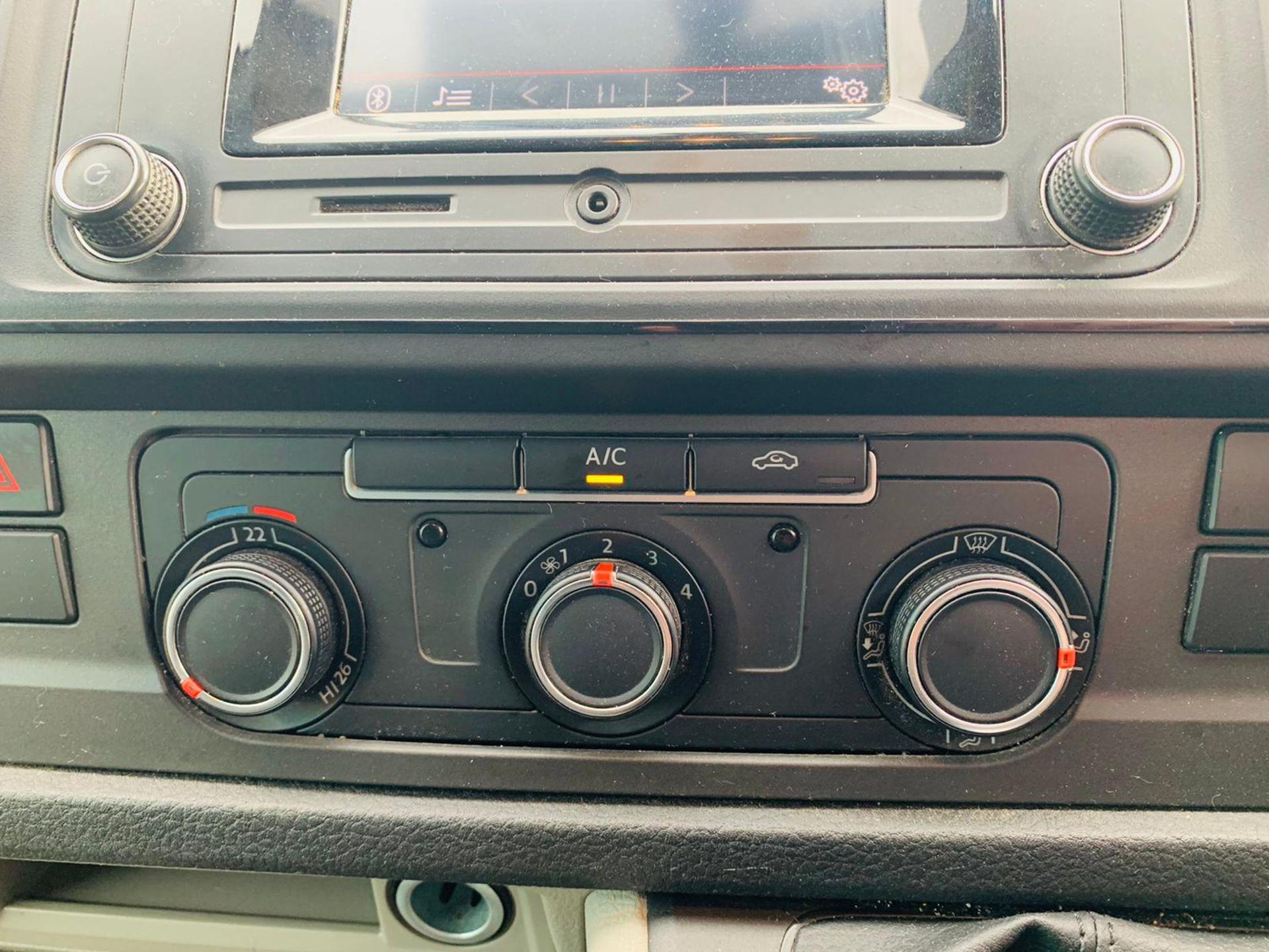 (RESERVE MET) Volkswagen (VW) Transporter 2.0 TDI 150 Highline T28 2018 18 Reg - Parking Sensors - - Image 18 of 23