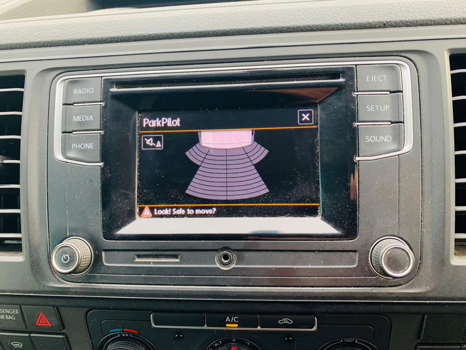 (RESERVE MET) Volkswagen (VW) Transporter 2.0 TDI 150 Highline T28 2018 18 Reg - Parking Sensors - - Image 15 of 23