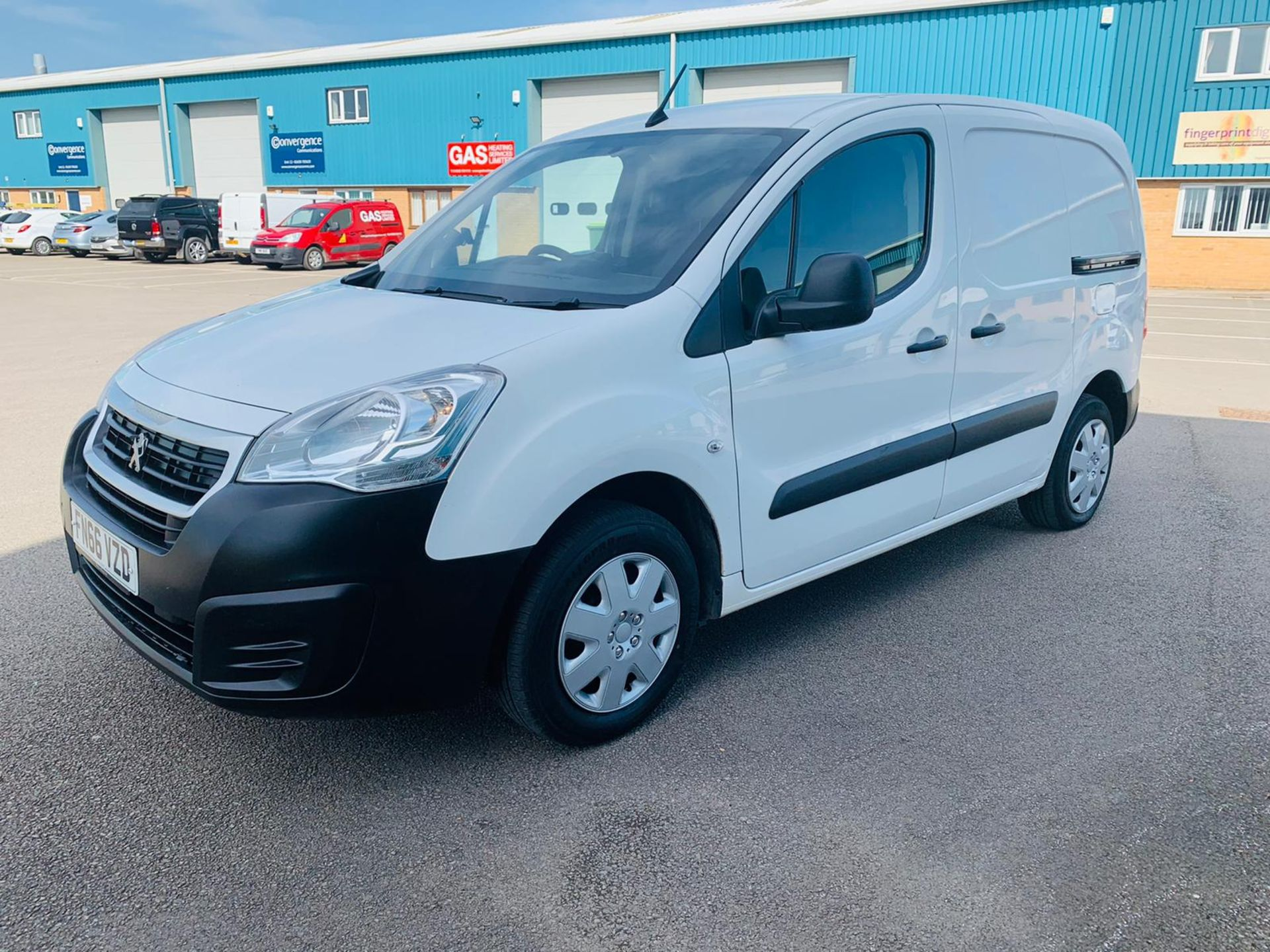 Peugeot Partner 1.6 HDI Professional 2017 Model - 1 Owner - Service Printout - Air Con