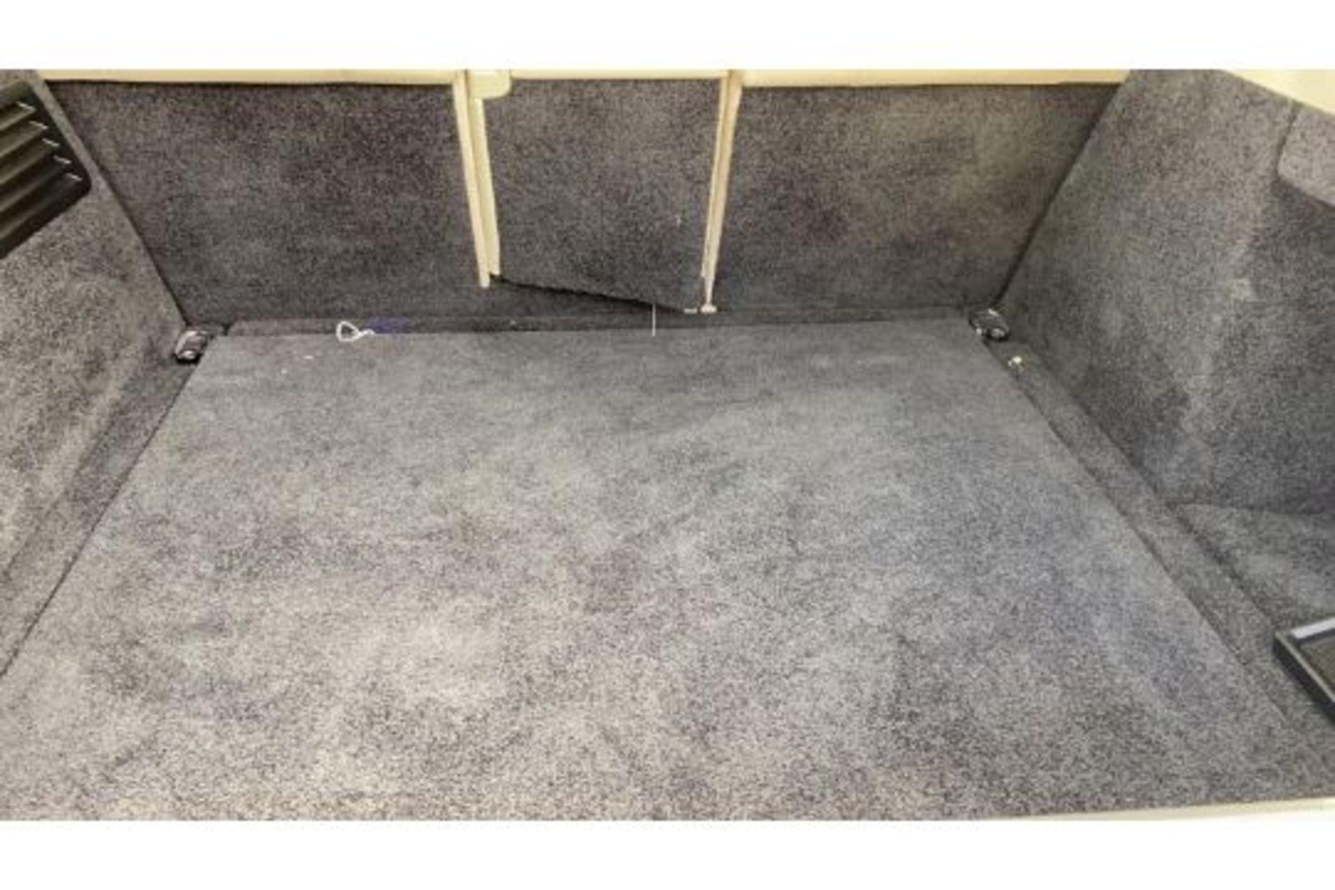 Range Rover Vogue 3.0 TDV6 SE Auto - Black Pack - NEW SHAPE - FULLY LOADED - Pan Roof - Image 27 of 30