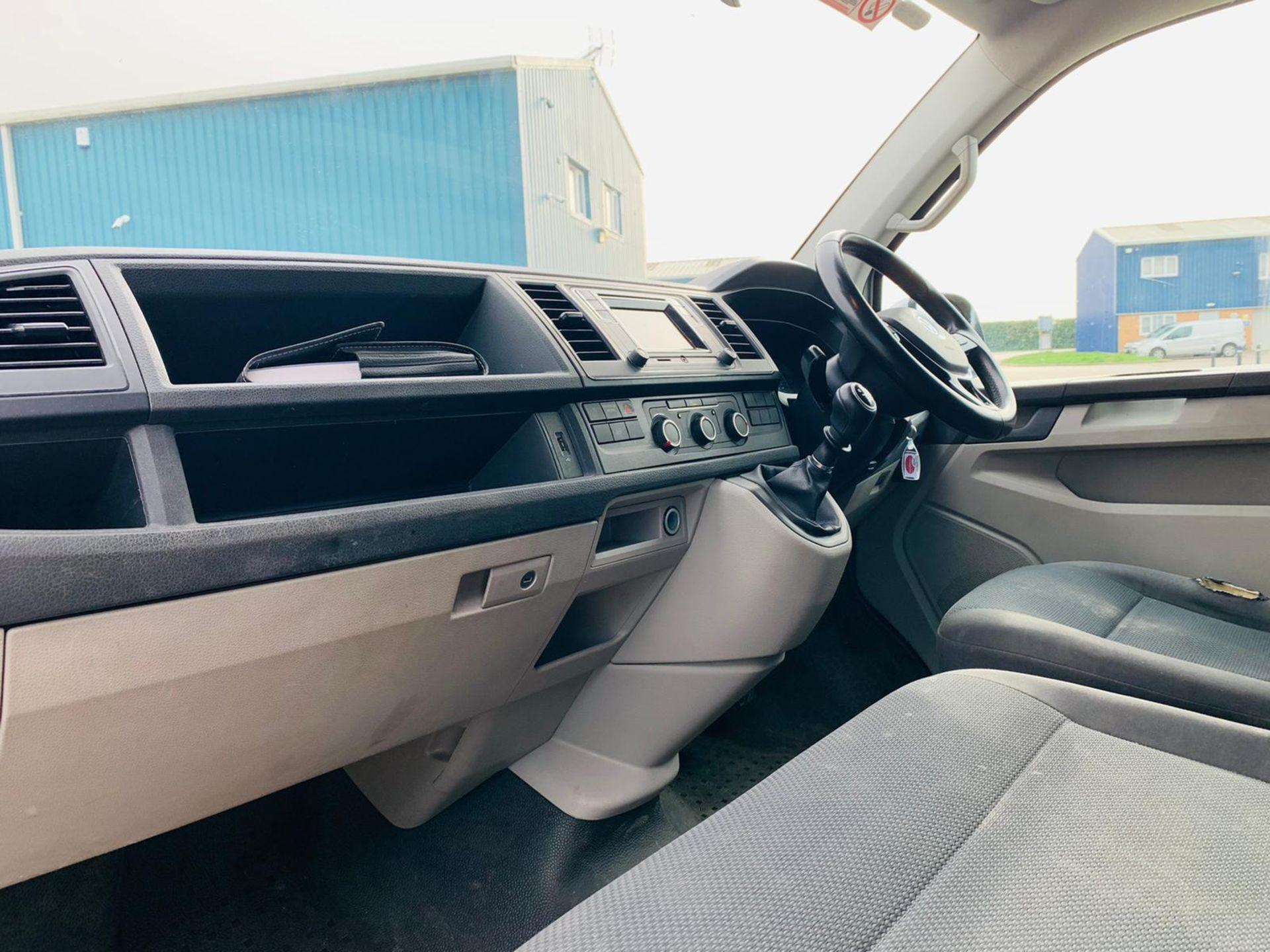 (RESERVE MET) Volkswagen (VW) Transporter 2.0 TDI 150 Highline T28 2018 18 Reg - Parking Sensors - - Image 11 of 23