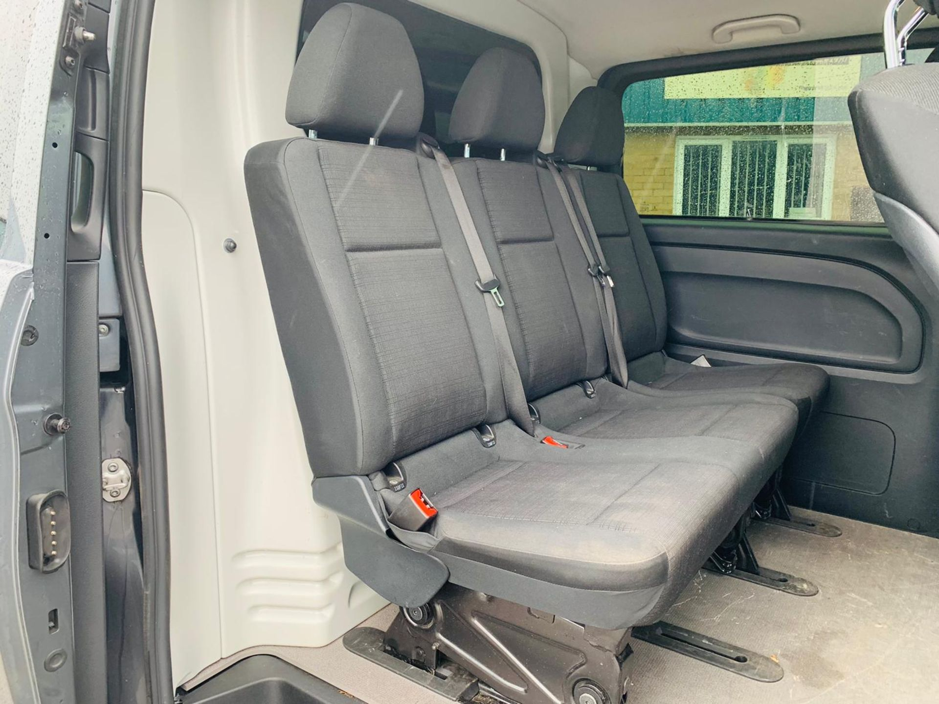 Mercedes Vito 114 Bluetec Dualiner/Crew Van - Auto - Air Con - 2018 Model- 1 Owner From New - Image 14 of 30