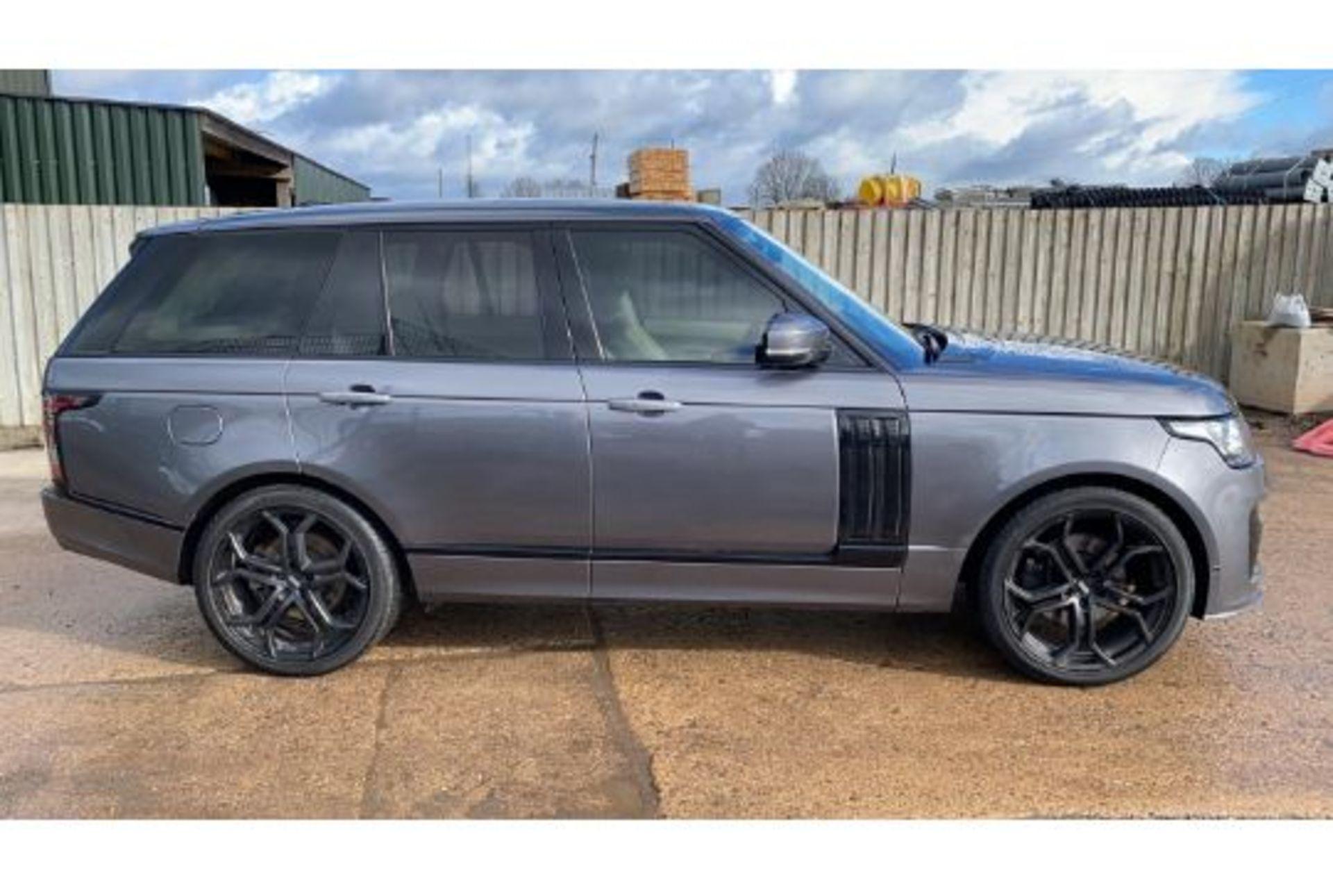 Range Rover Vogue 3.0 TDV6 SE Auto - Black Pack - NEW SHAPE - FULLY LOADED - Pan Roof - Image 6 of 30