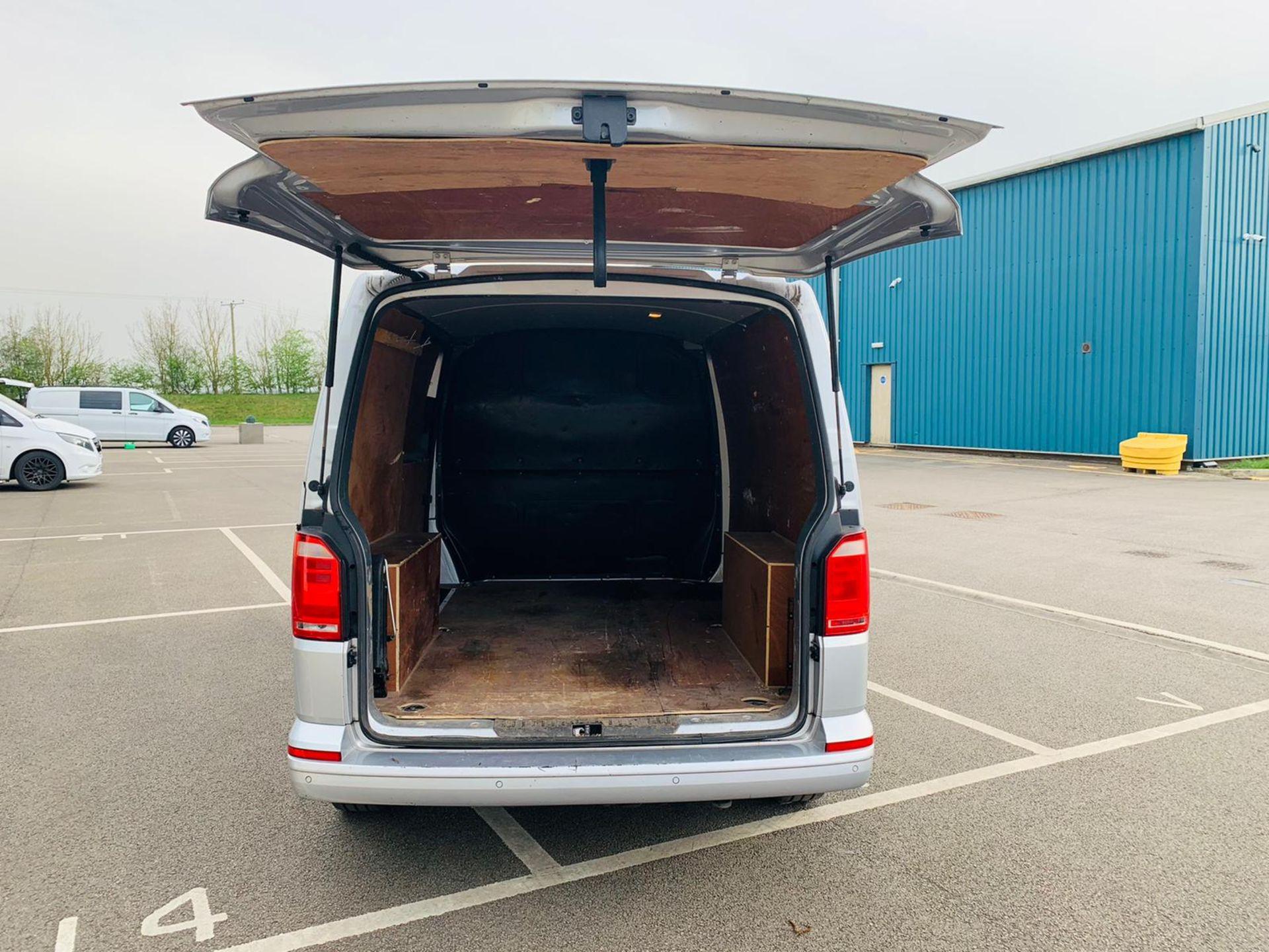 (RESERVE MET) Volkswagen (VW) Transporter 2.0 TDI 150 Highline T28 2018 18 Reg - Parking Sensors - - Image 7 of 23